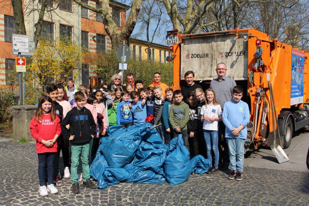 Müllsammelaktion an der Laurentiusschule